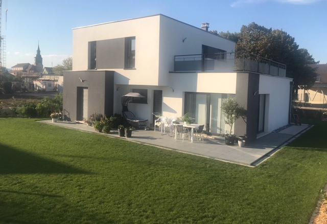 Très belle maison CONTEMPORAINE – VENDU ! –