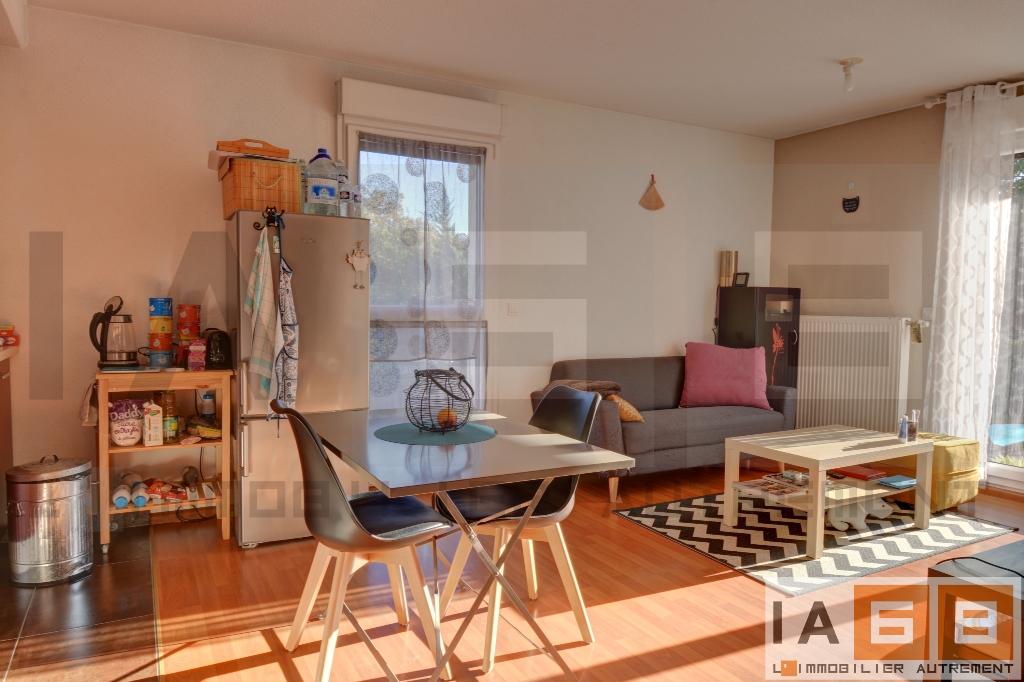 Lumineux appartement F2 en rez-de-jardin – LOUÉ –