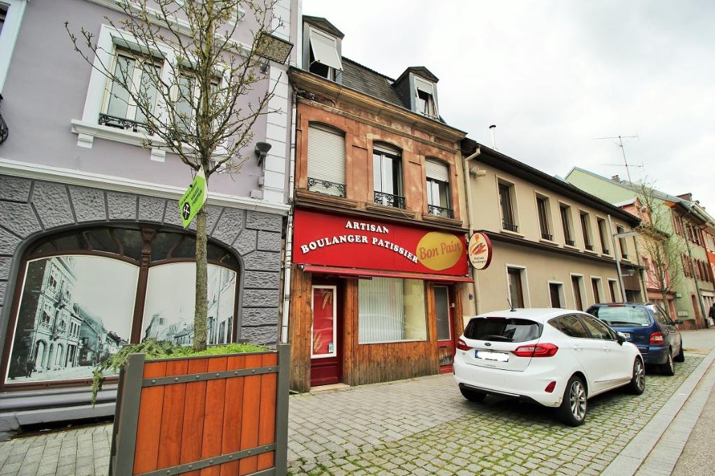 EXCLU IA68- Immeuble avec local commercial et appartement en duplex ? Sainte Marie aux Mines