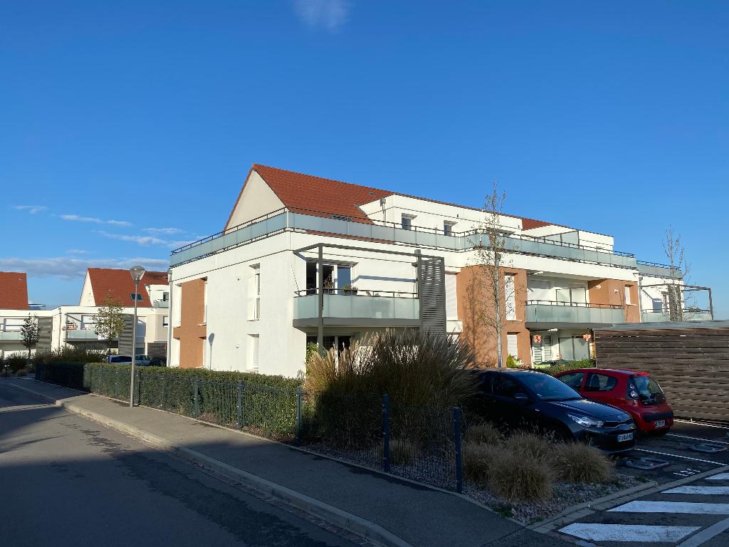 COLMAR-bel ATTIQUE transversal-F5 avec une grande terrasse de 22m2