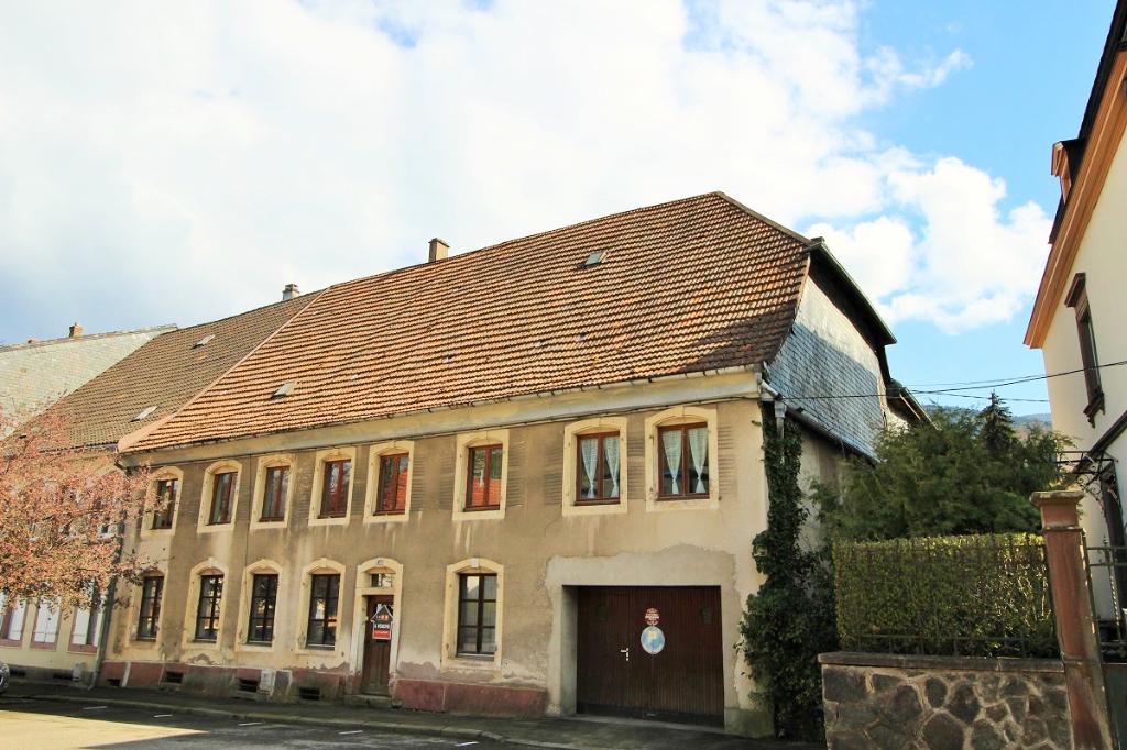 EXCLU IA68- Sainte Marie aux Mines-Grande maison de ville -dépendances-garage