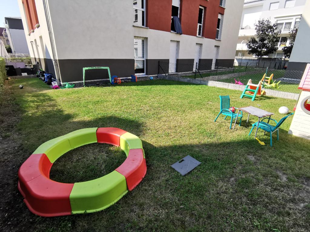 Quartier Saint-Antoine : Récent F3 avec jardin privatif v